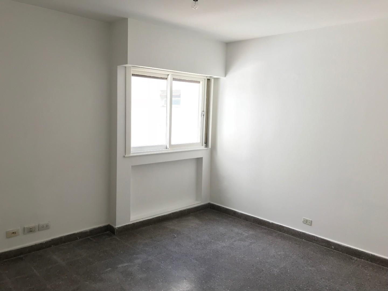 Departamento 1 ambiente con cocina separada