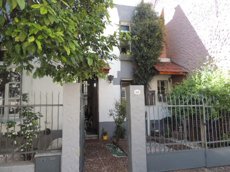 Casa ex municipal en excelente estado