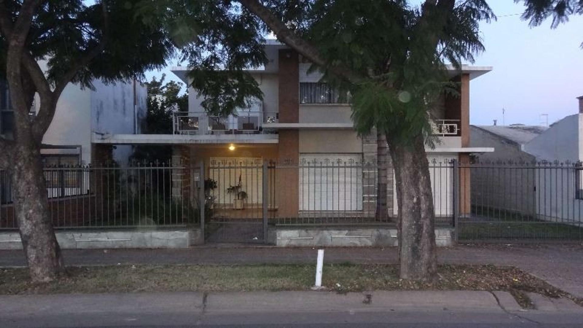 Impecable casa en la Ciudad de Córdoba. Excelente ubicación.