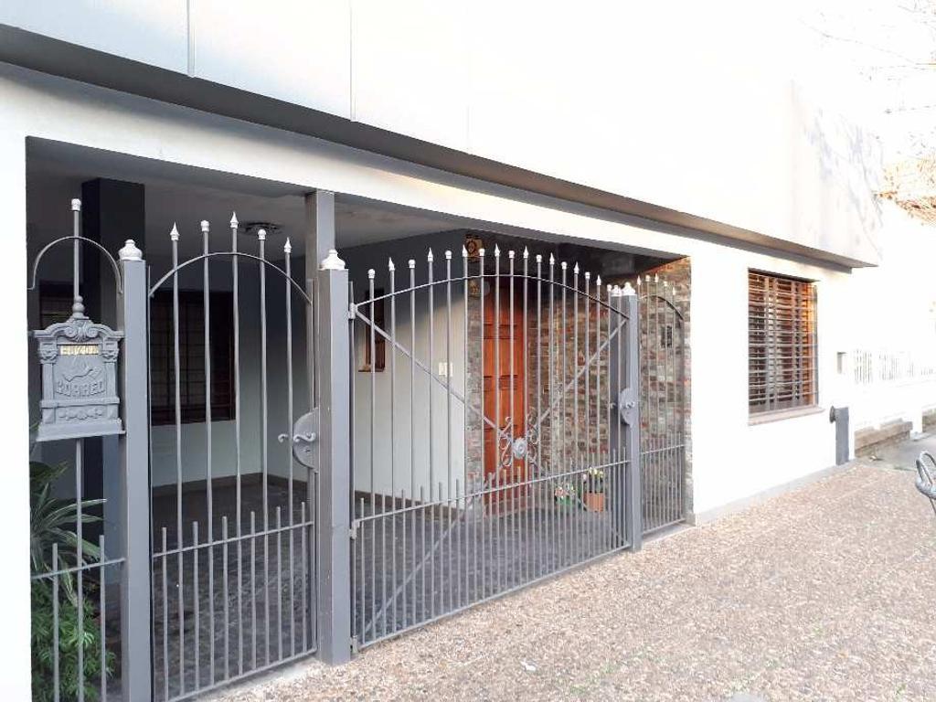 Casa 4 Ambientes en Venta en Quilmes Oeste Apto Crédito