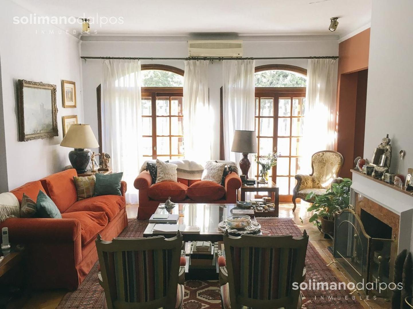 Casa en Venta en La Lucila Libertador / Rio - 5 ambientes