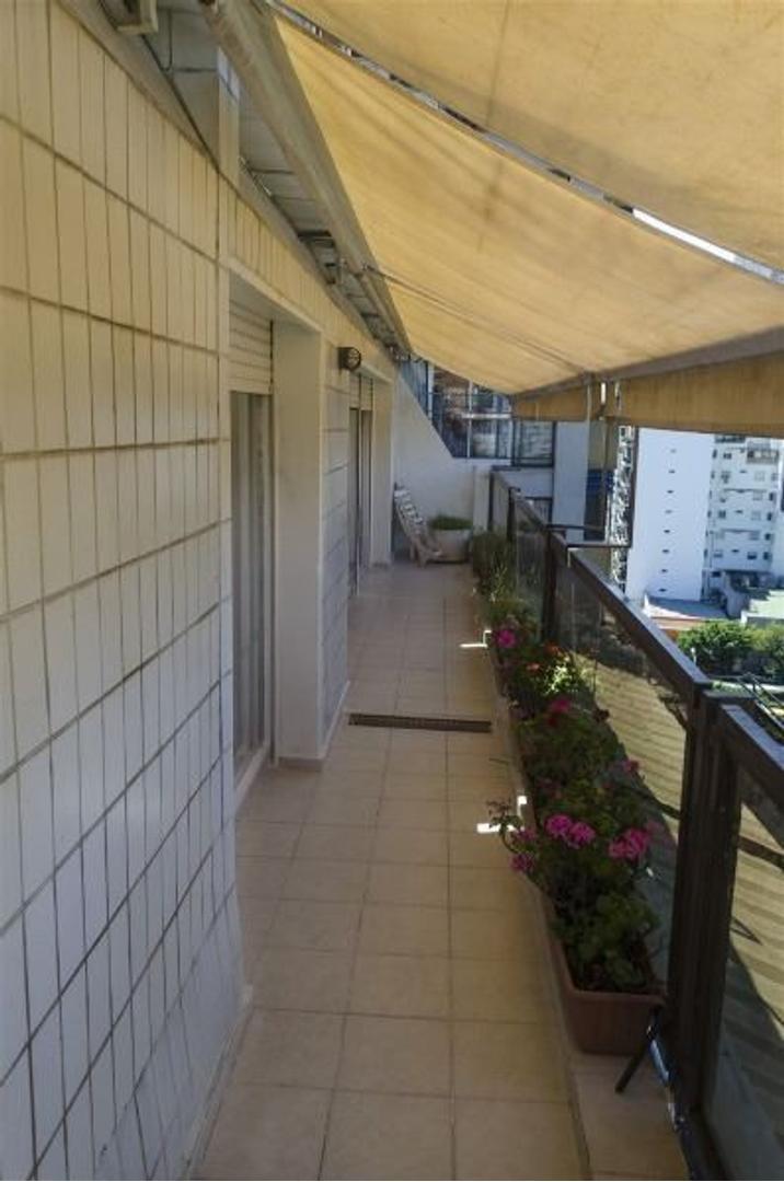 Excelente 3 ambientes en duplex con Hall propio Full VISTA !! al parque Las Heras