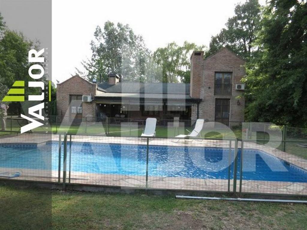 Excelente Casa 4 dormitorios - 2 en suite - Quincho, Parrilla, Piscina y Parque