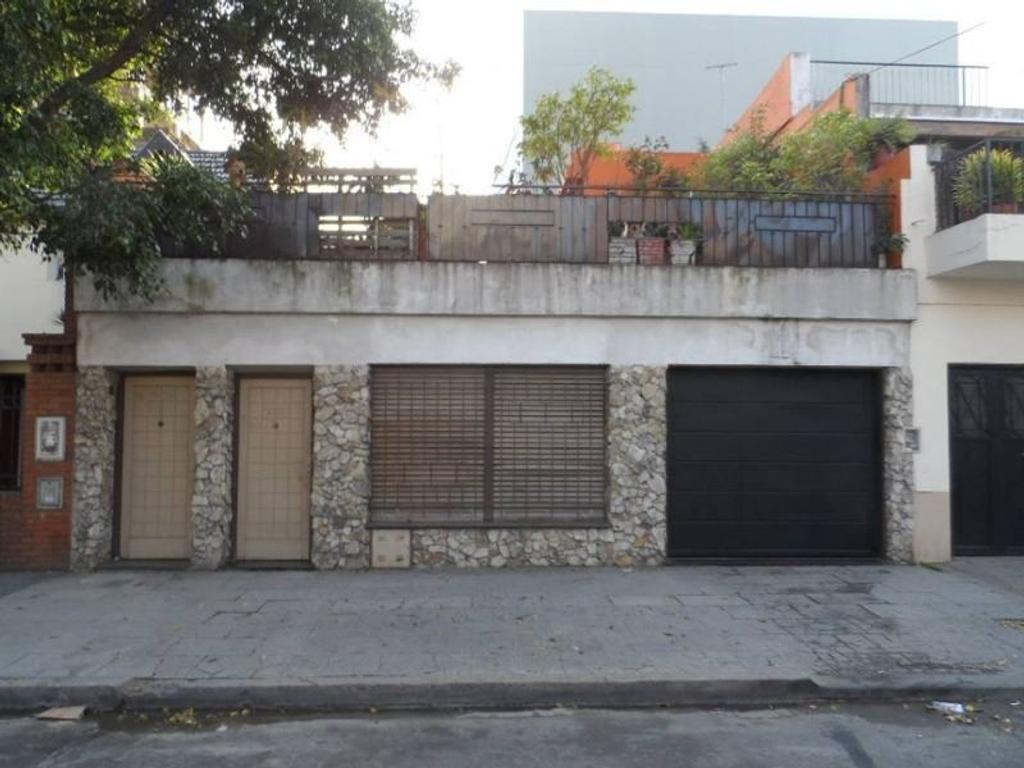 CASA EN VENTA 5 AMB SOBRE SALGUERO ENTRE PUEYRREDON Y RIVADAVIA