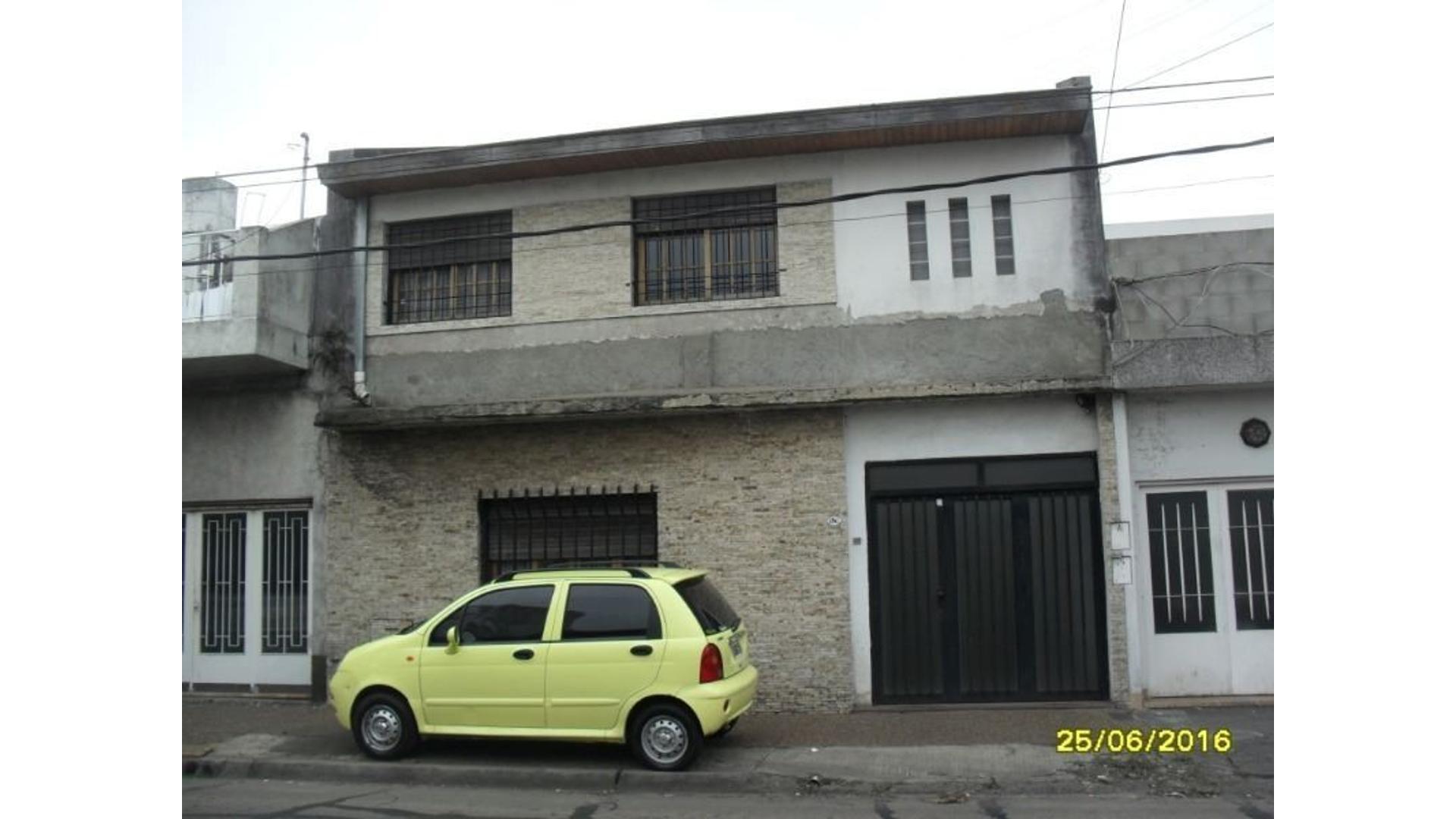 Casa de 5 ambientes a metros de A. de Mayo zona Don Bosco