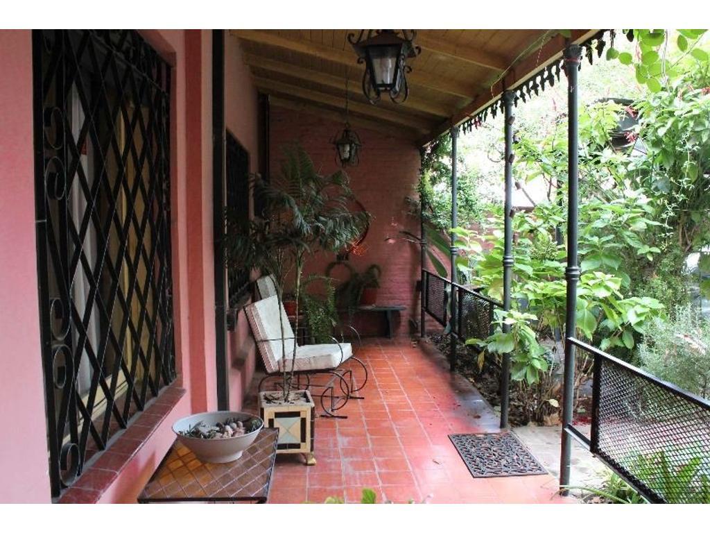 Casa en venta en canale 2266 jose marmol argenprop for Casas en jose marmol