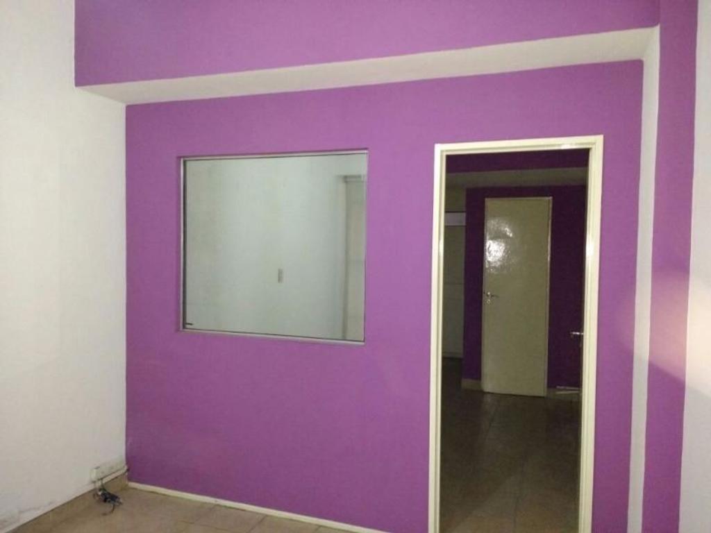 Local en alquiler en d sarmiento a 1417 centro argenprop for Muebles de oficina sarmiento 1400