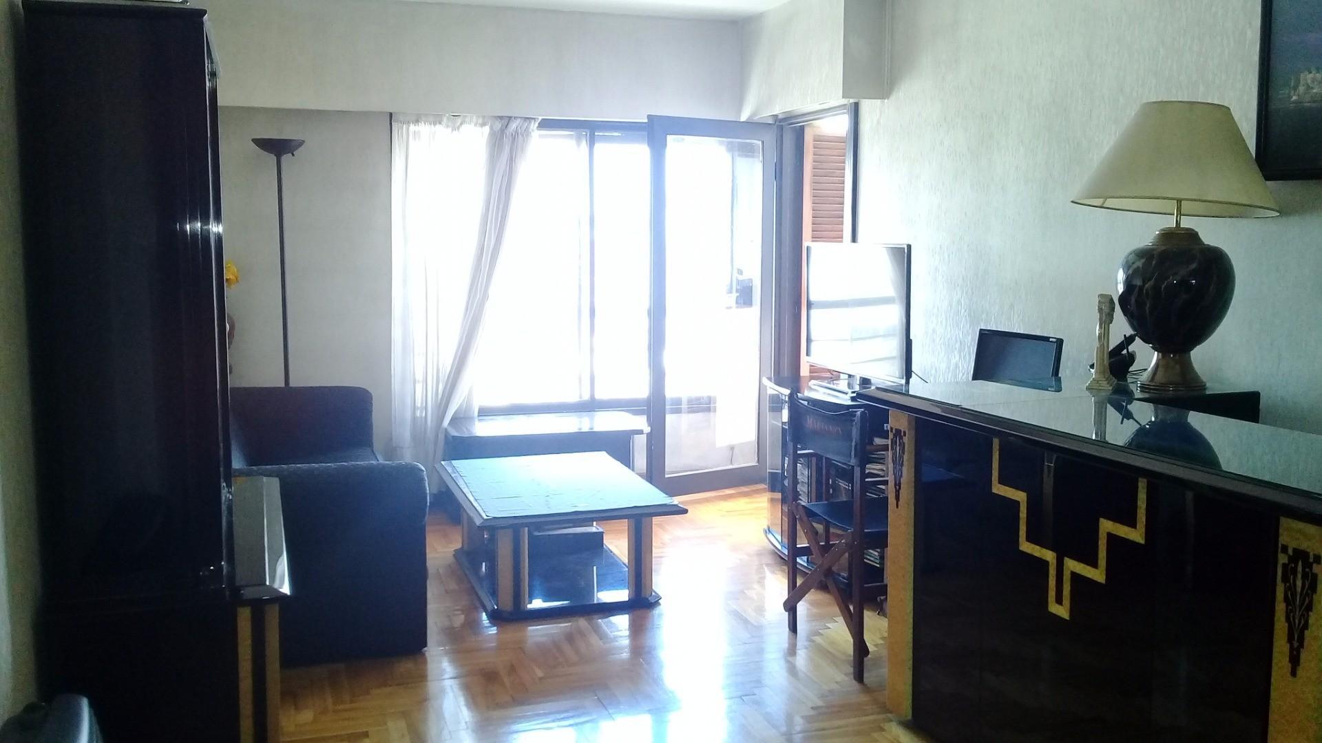 Con cochera fija y cubierta con portón automático - 2 dormitorios -