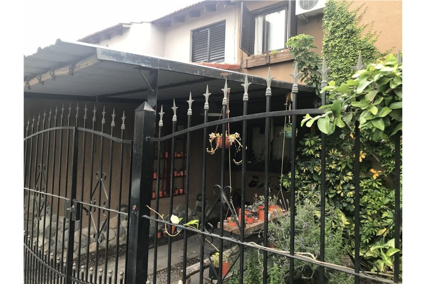 Casa en Alquiler en Camino Centenario Km 11500 - 4 ambientes