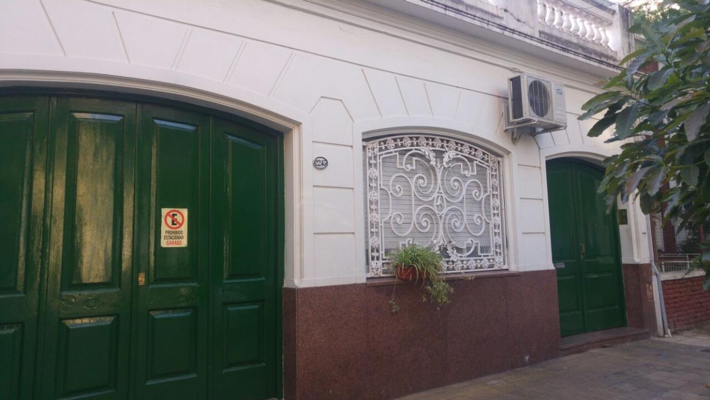 VENTA PH GRANDE DIVIDIDO EN 2 UNIDADES / 3 dormitorios/Terraza/Garage/AL FRENTE