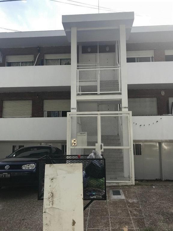 Florida M Depto tipo casa Warnes al 1000 3 Ambientes con jardin garaje 2 baños  U$S 215.000