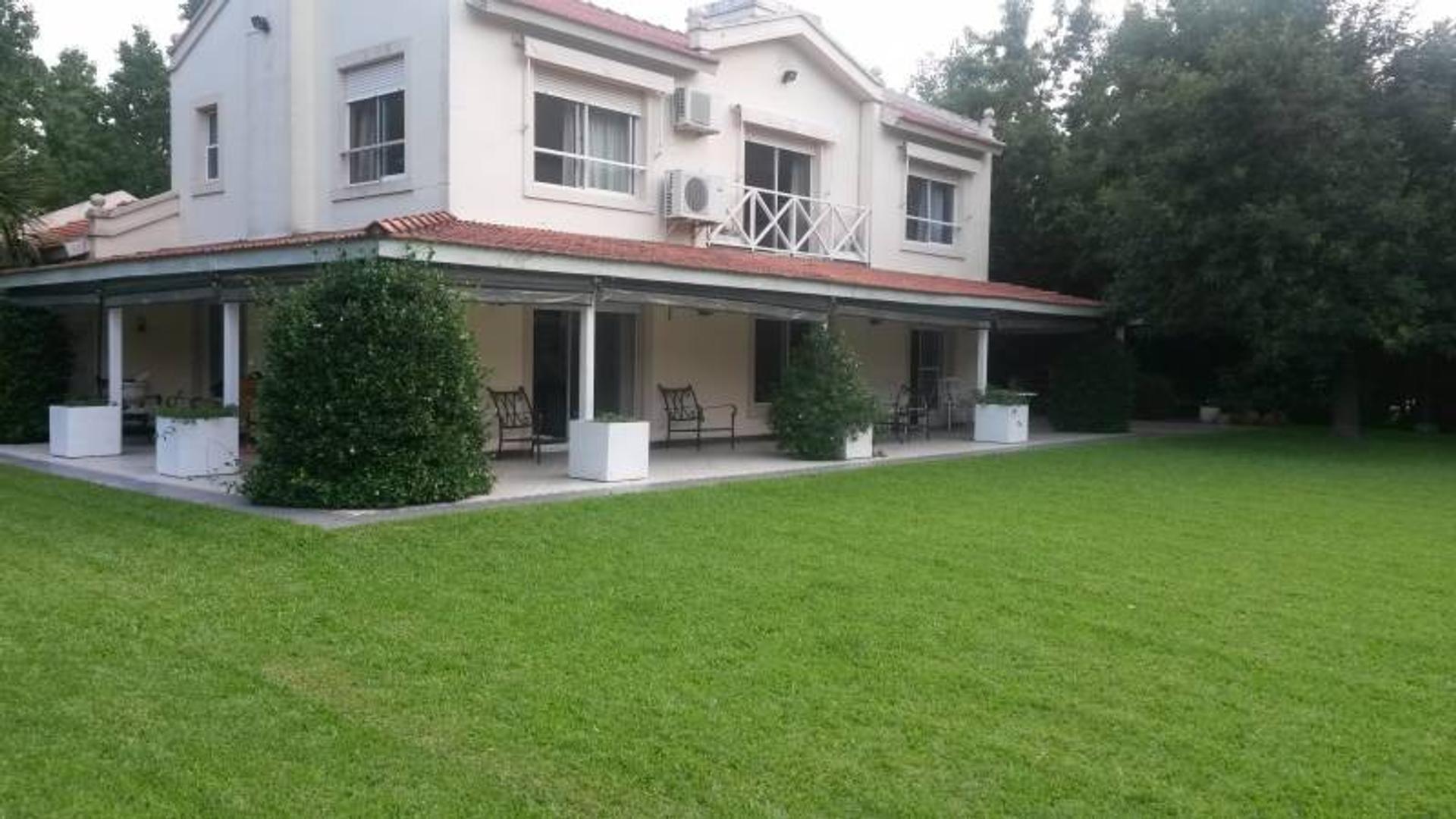Casa en Venta ubicado en Altos de Pilar
