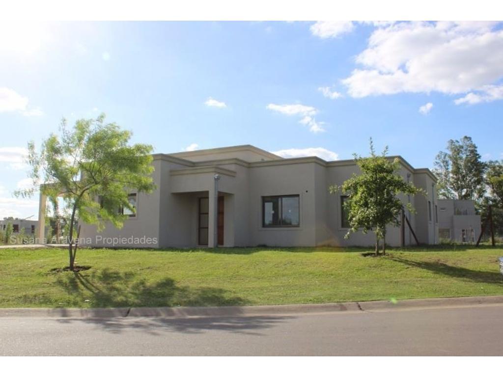 Excelente casa en Venta en Santa Guadalupe-Pilar del Este