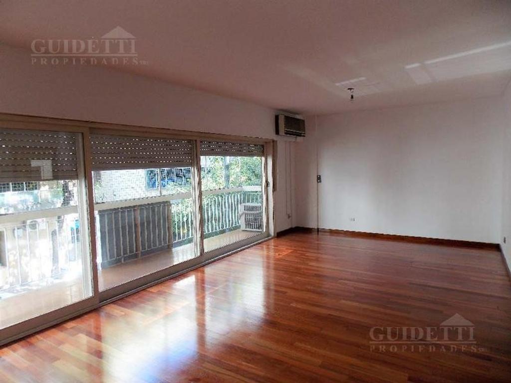 excelente Semipiso 4 ambientes c/ dependencia balcón  cochera en Belgrano