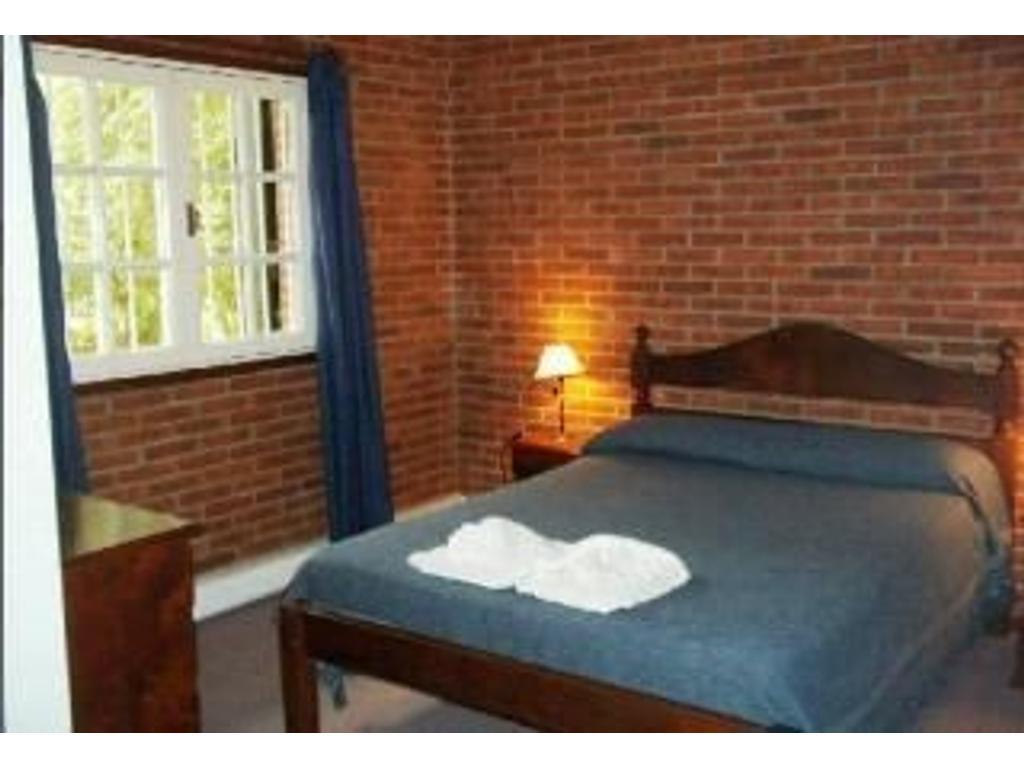 HOTEL 14 HABITACIONES  - 900 M2., 650 M2-.Contado, Financiado, Acepta permuta, Toma Menor valor