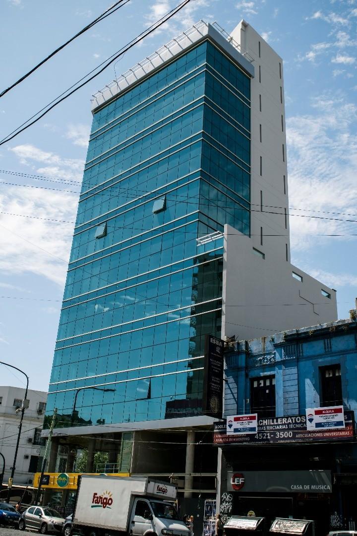 Alquiler de Oficinas 900 m2 en tres plantas
