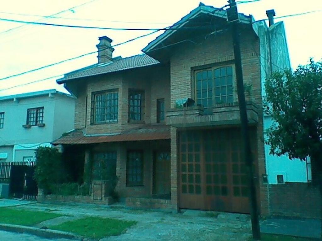 Casa en venta en achaval 3800 villa constructora for Constructora casa