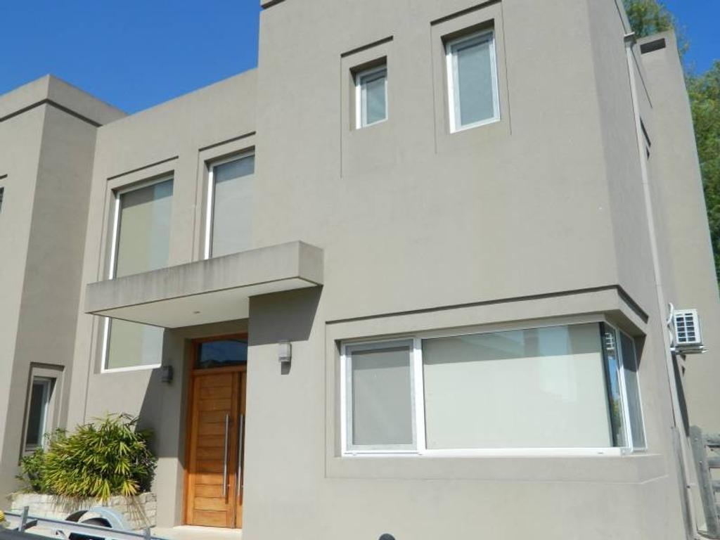 Casa en alquiler en Exclusiva en San Isidro Labrador Villa Nueva Tigre