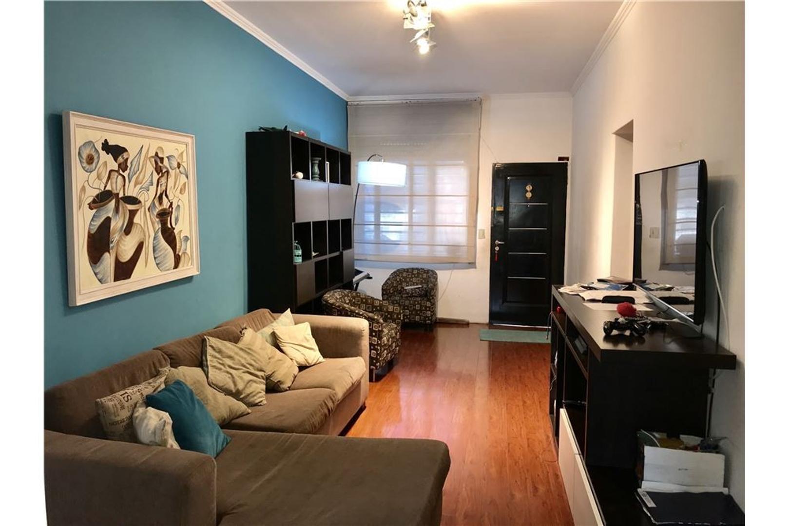 Casa-venta 4 ambientes- con local-Villa Urquiza