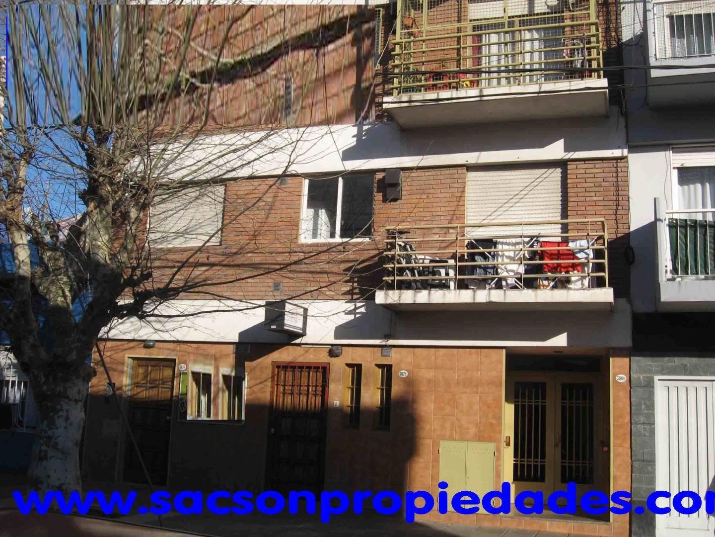 V577 Ciudadela Sur centro (2 cuadras Estacion) Departamento 2 amb. Consultas: Tel. 4656-0788