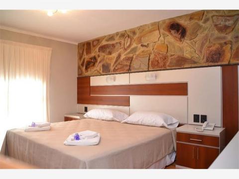 Hotel & Suites 29 hab. 4*