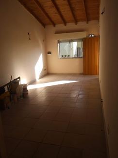 Dpto 2 ambientes en 2 piso por escalera en Pablo Podesta