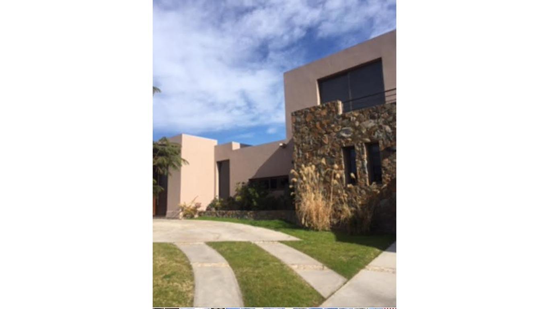 Casa en Venta en Barrio Rincón de Araoz, Chacras de Coria, Mendoza