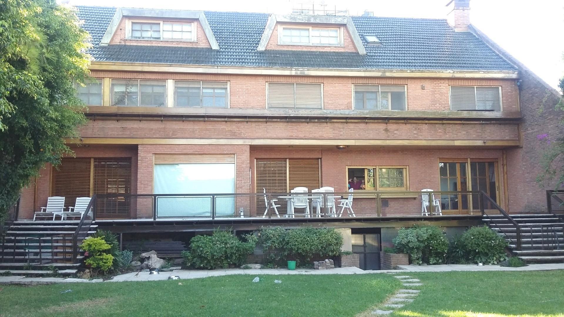 Casa en Venta - 6 ambientes - USD 1.800.000