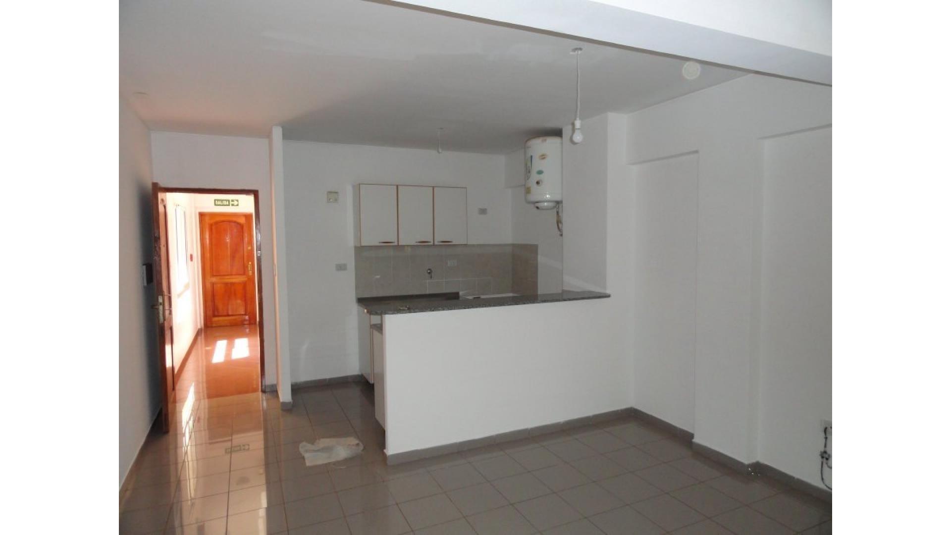 Departamento Céntrico, 2 dormitorios en Venta.-