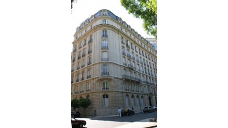 Edificio emblematico frances unico frente PLAZA SAN martin