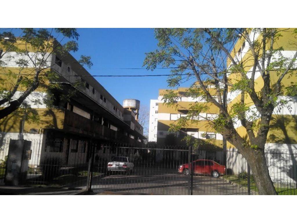 DEPTO 3 AMB. MAS CUARTO EN EL PATIO CON PARRILLA  PLANTA BAJA . AMERICA 2347 BECCAR