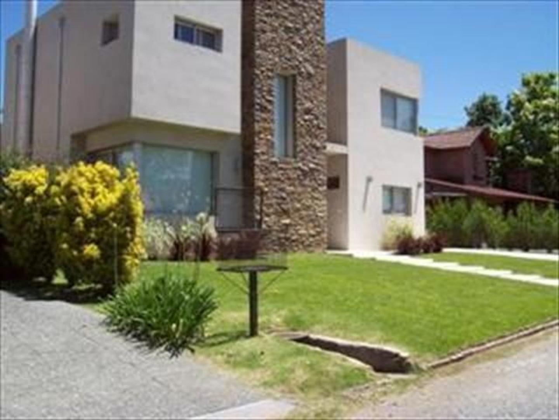 Casa en Alquiler Por Temporada en Campo Chico - 4 ambientes