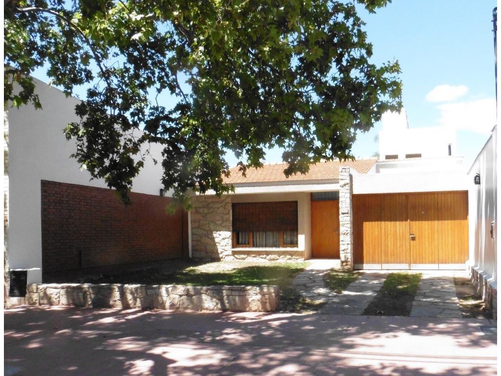 Impecable residencia, céntrica buen diseño, construcción y finas terminaciones