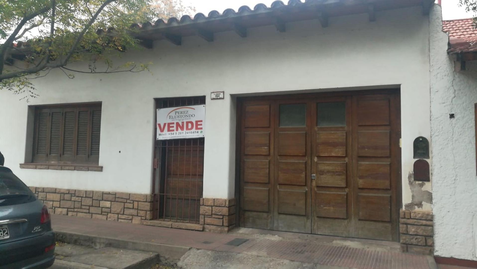 Casa MIXTA Calle Ferrari de Ciudad Mendoza
