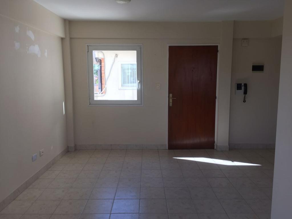 Alquiler departamento dos ambiente con terraza, Martinez, San Isidro