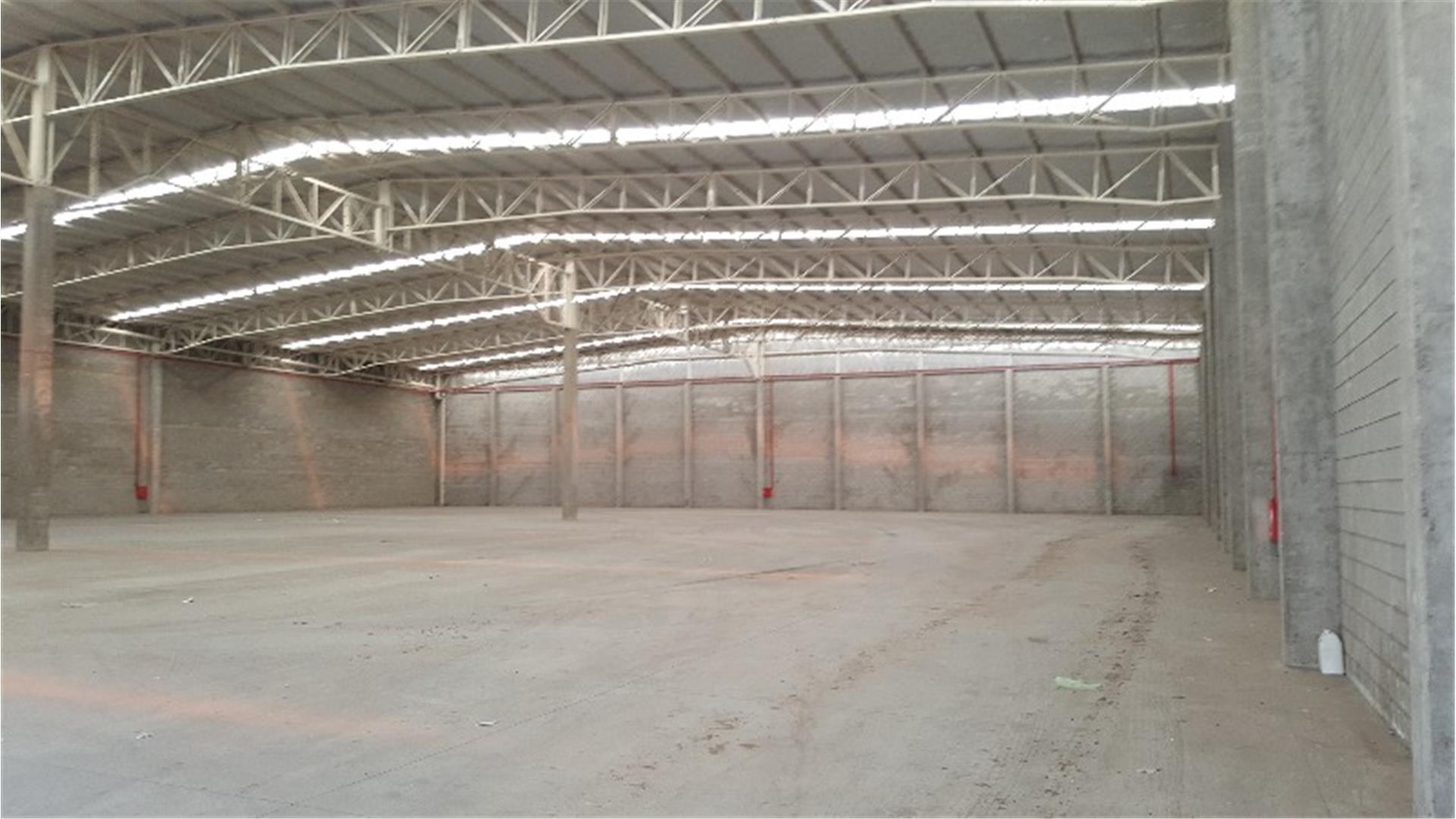 Excelente galpón de 3.800 m²  DENTRO DEL PAQUE IND. MORON