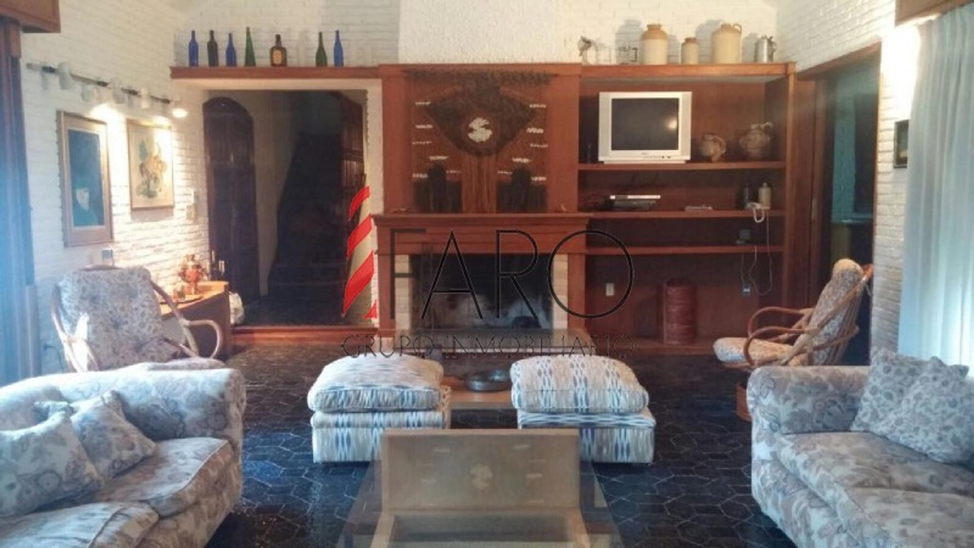 Casa en Venta - 5 ambientes - USD 680.000