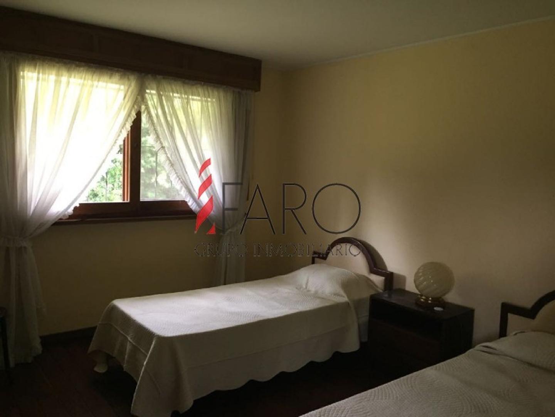 Casa en Mansa 4 dormitorios y dependencia con piscina y gran parque - Foto 8