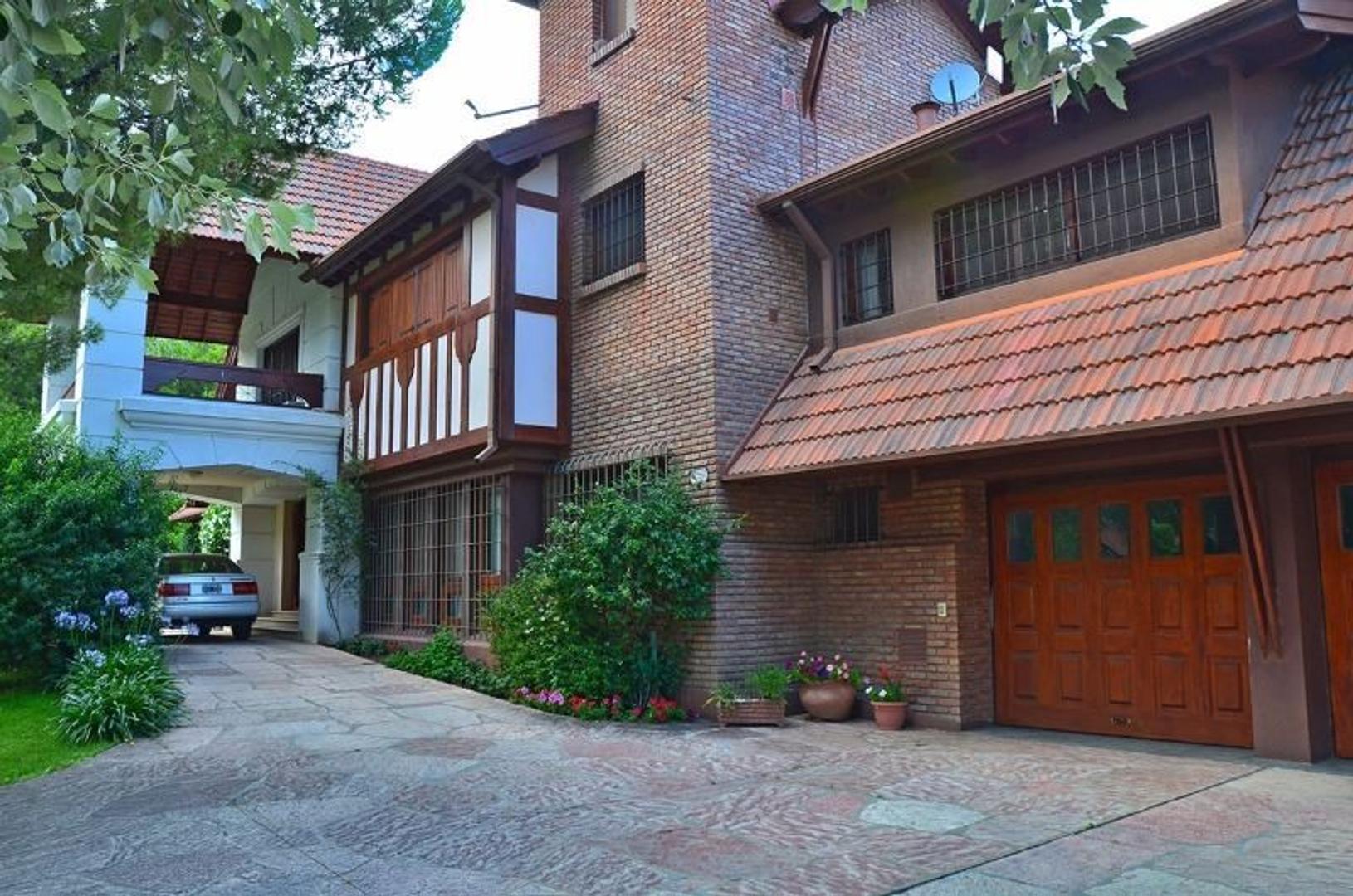 Emblemática residencia en Country Chumamaya