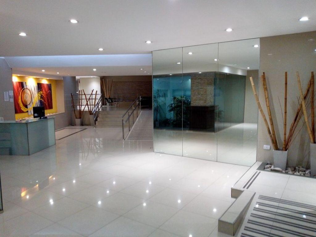 Impactante: Comodidad garantizada, en piso 15, con vista y luz fabulosas. COCHERA INCLUIDA!