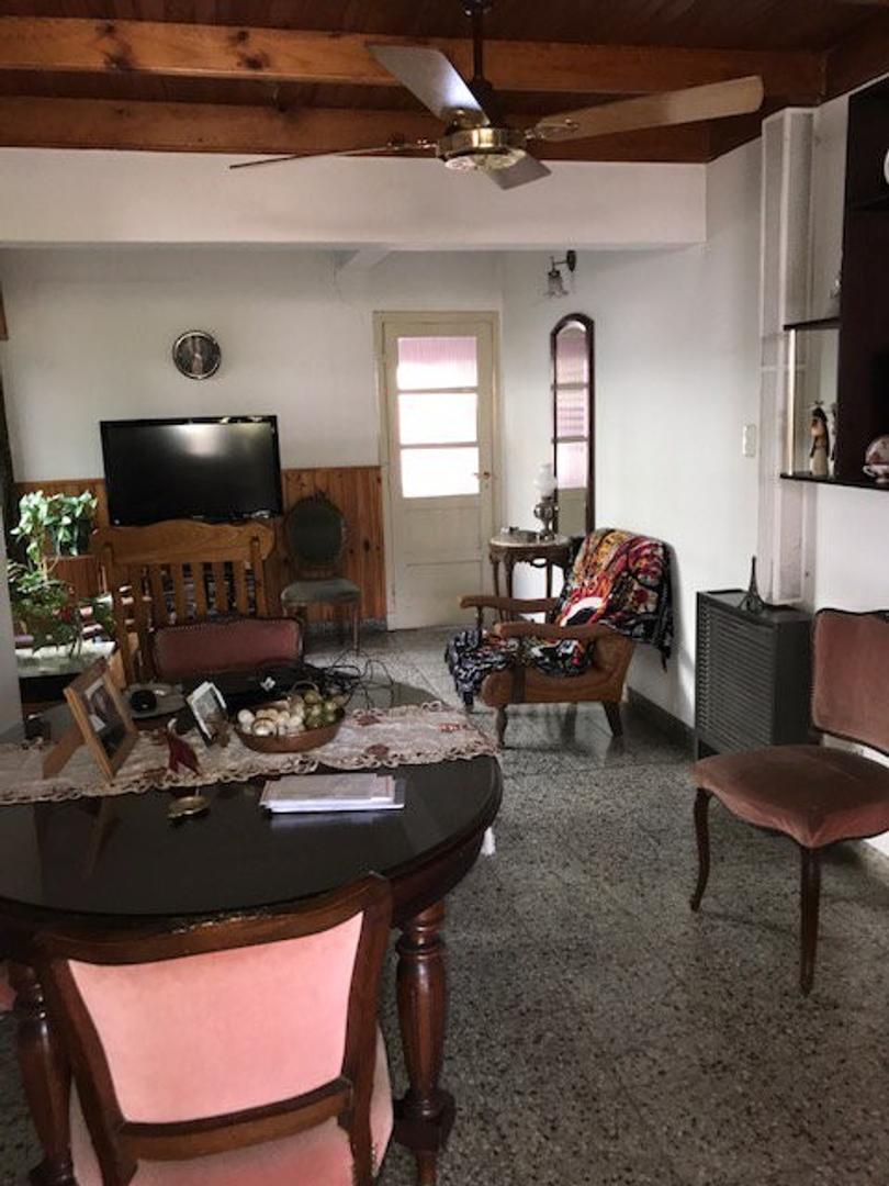 XINTEL(MEP-MEP-2157) Casa - Alquiler - Argentina, Coronel Suárez - AVELLANEDA 828