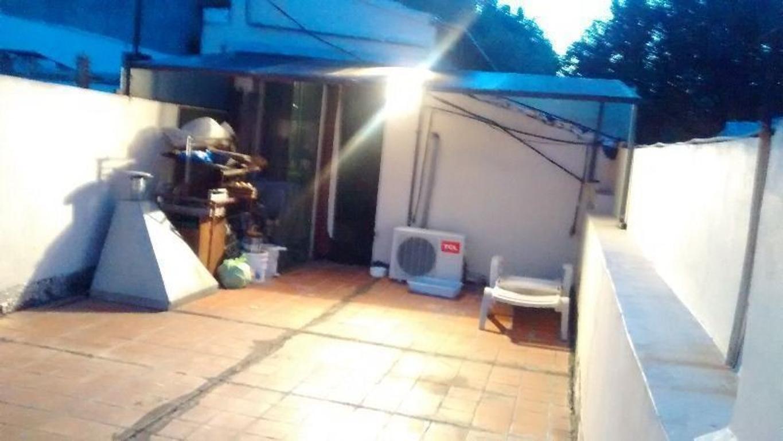 Venta PH 4 ambientes con patio y amplia terraza - Barracas