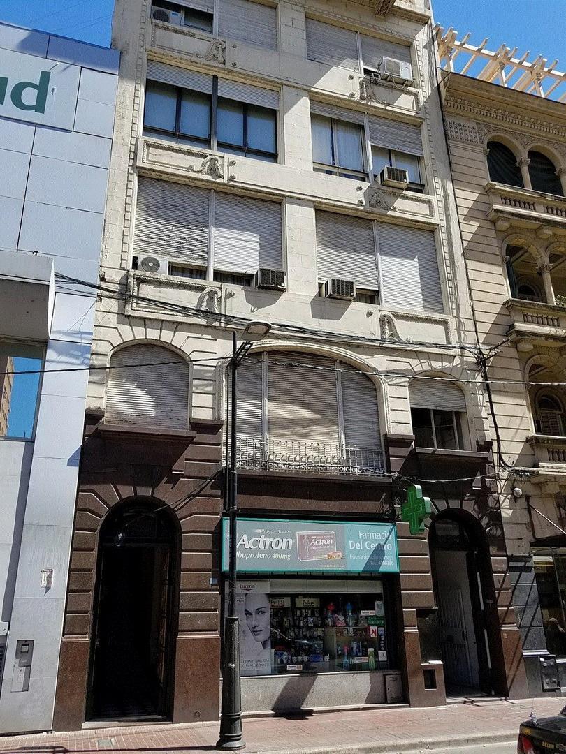 ALQUILO OFICINA CORRIENTES 878 ROSARIO, EQUIPADA A METROS DE LA BOLSA DE COMERCIO 120 M2