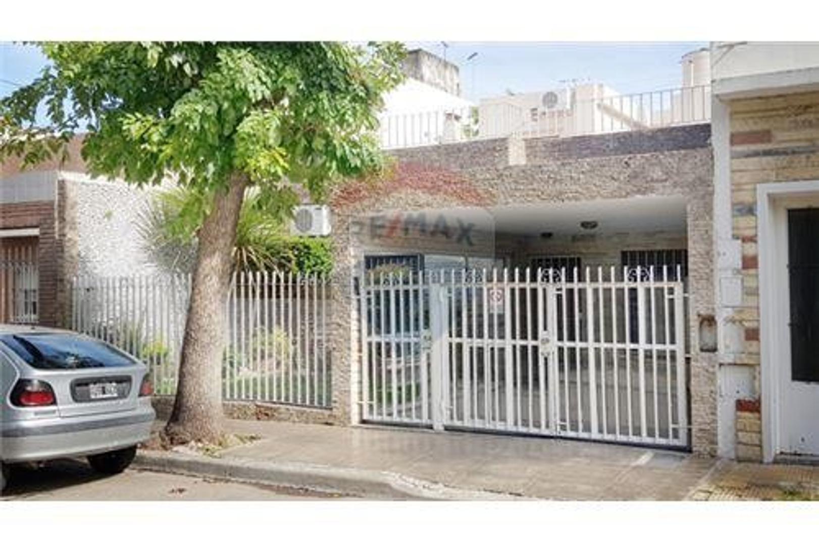 Casa de 4 ambientes en 1 planta +Playroom +Terraza