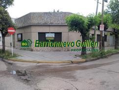 Venta - Casa Lote Propio en Esquina 245 m² - San Carlos y Neuquen - S. Lugares