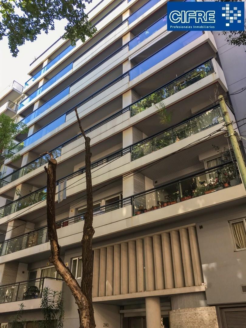 Departamento 3 ambientes con balcon corrido al frente y baulera. Amenities ( Suc.Urquiza 4521-3333 )