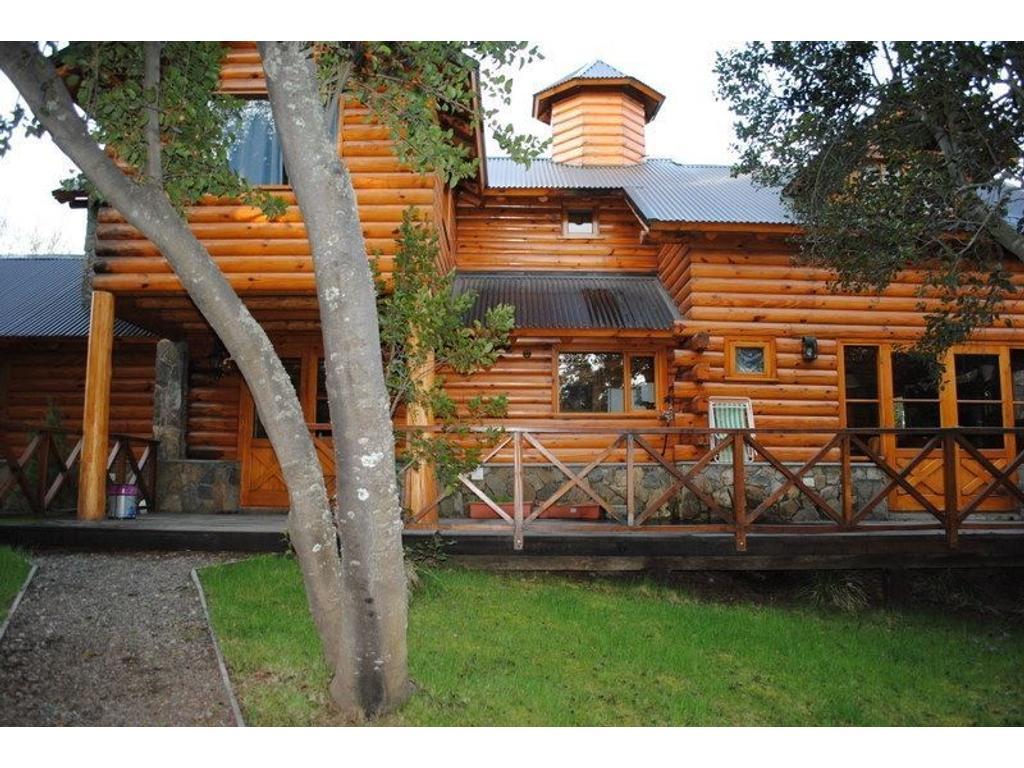 Casa con costa de rio a 12 km de San Martin de los Andes