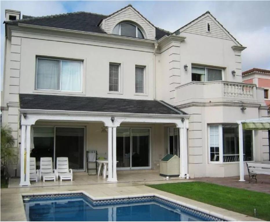 Imperdible!!!Hermosa Casa De 3 Plantas , 3 Domit Suite , Sala De Juegos, Etc