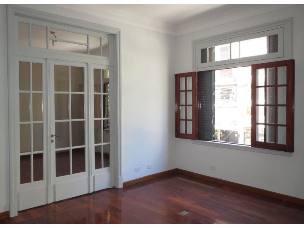 Exclusiva oficina de categoría, SIN EXPENSAS, en el corazón de Villa Urquiza R.