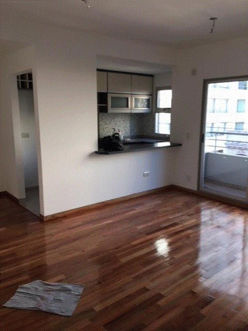 departamento de 2 ambientes con balcon al frente.Suc.Urquiza 4521-3333